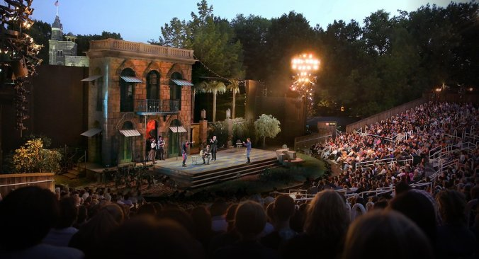 shakespeare-in-the-park-delacorte-theater